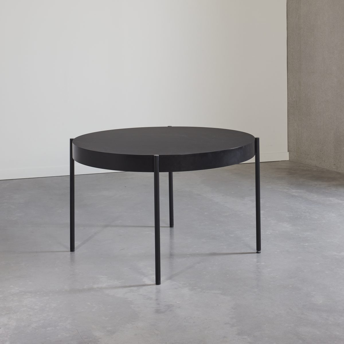 430 Table