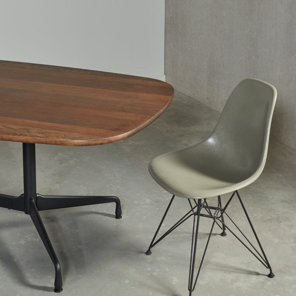 Eames segmented table