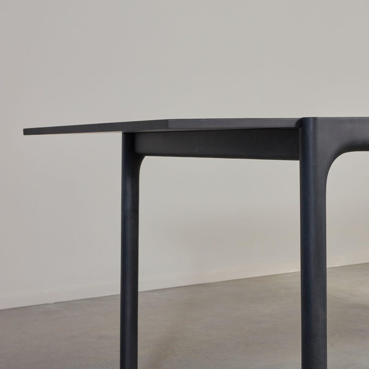 Unna Table