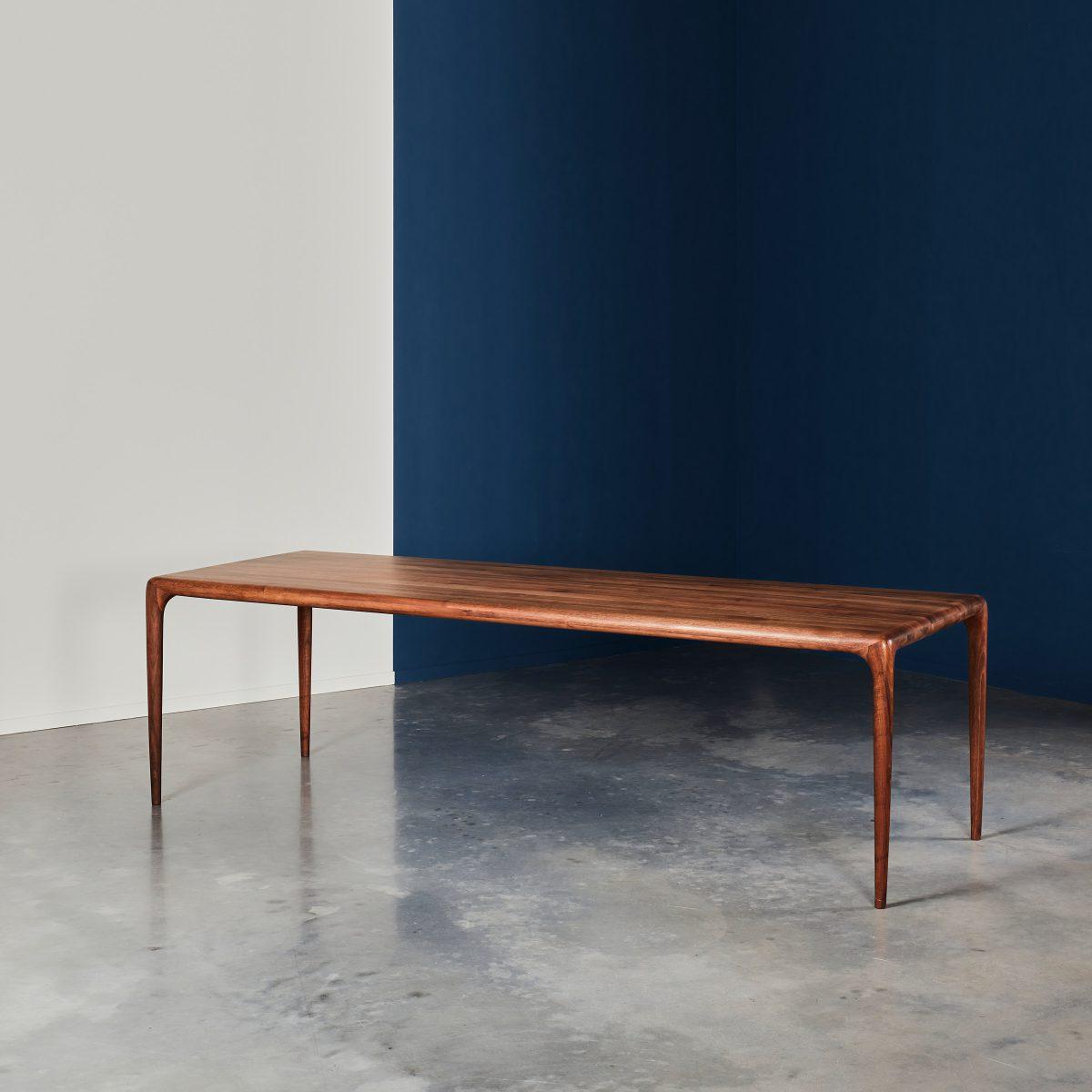 Latus table 260