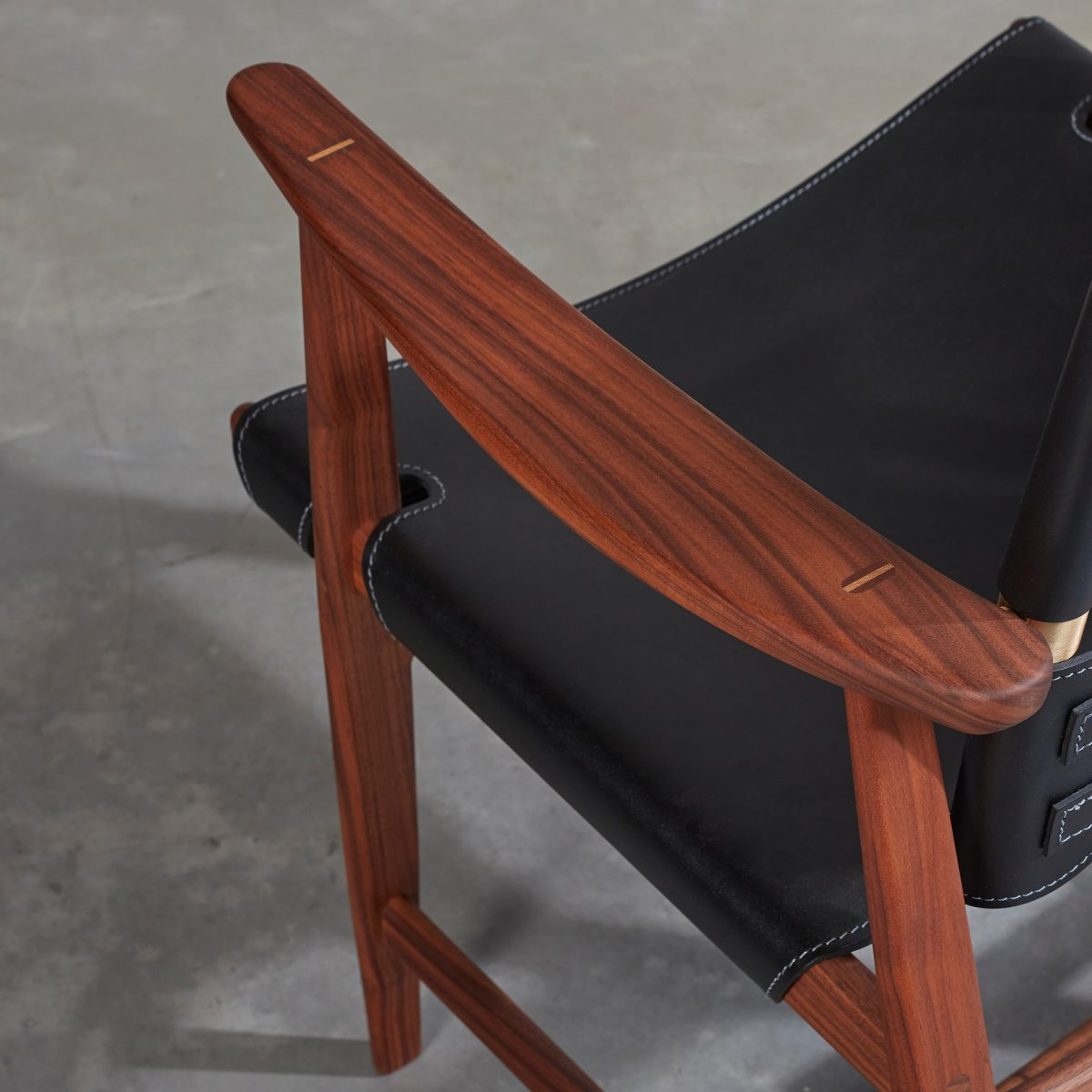 BM1106 Huntsman Chair