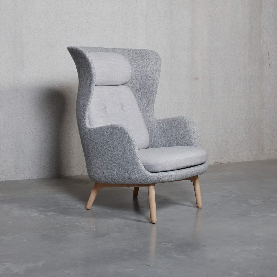 FH – RO JH2 Easy Chair | Fritz Hansen